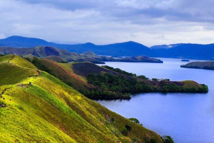 Gambar Pemandangan - Danau Sentani Papua