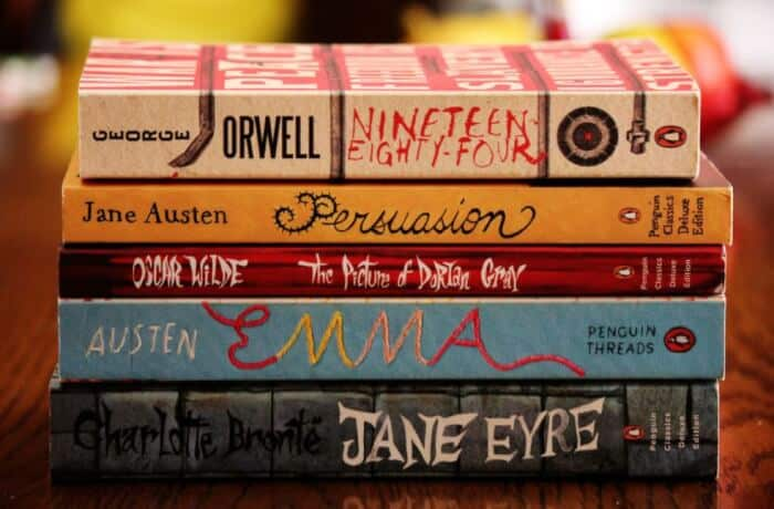 7 Contoh Resensi Novel Fiksi Yang Baik Dan Benar Terbaru