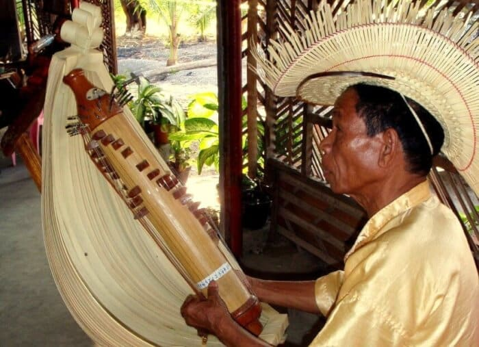 Alat Musik Tradisional - Sasando