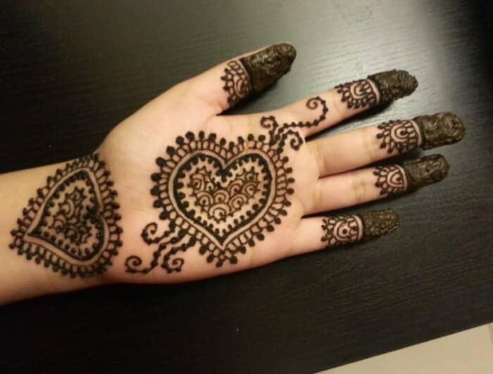 Motif Henna Cinta
