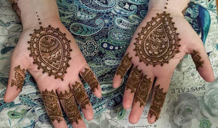 Motif Henna Telapak Tangan