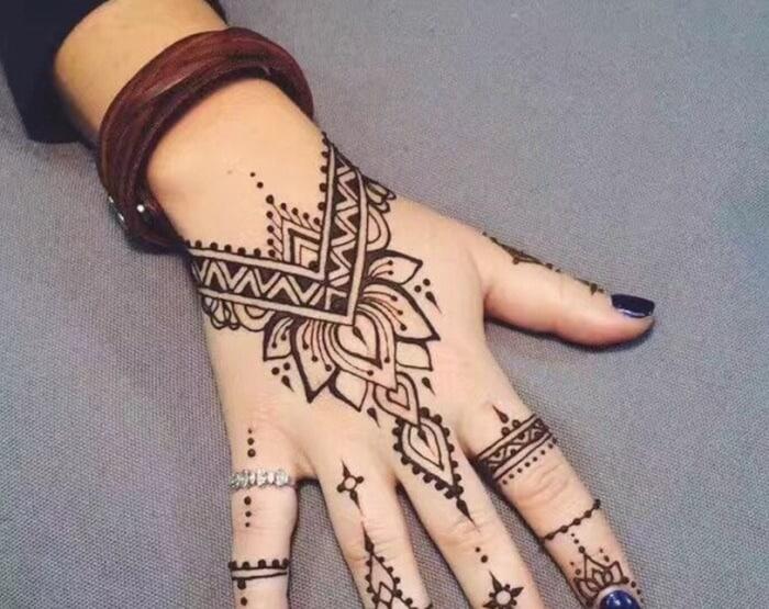 Motif Henna