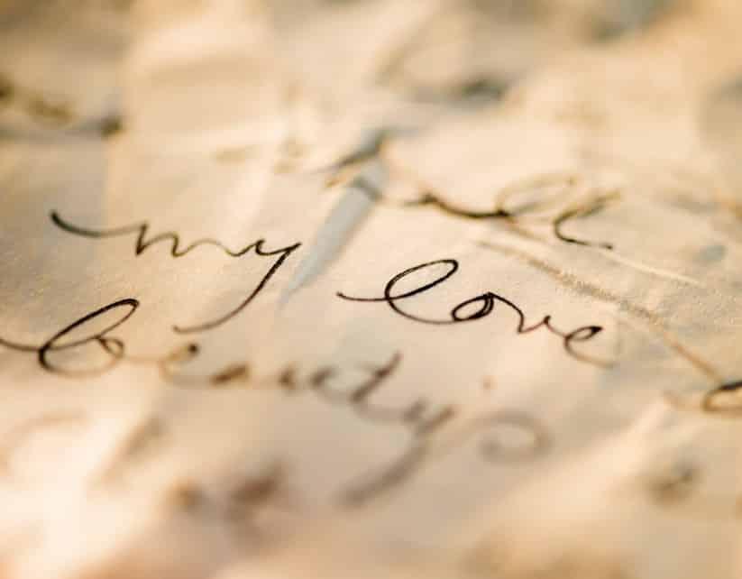 27 Puisi Cinta Pendek Romantis Bikin Baper Sedih Islami