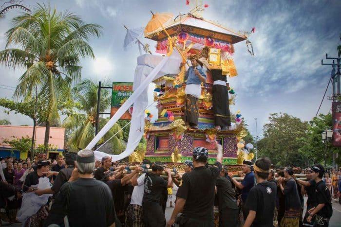 Adat Upacara Kematian di Bali
