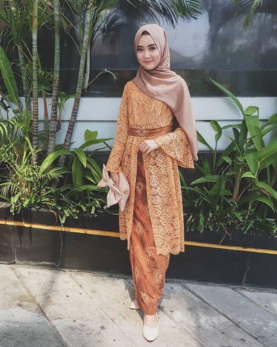 Model Atasan Kebaya Brokat Hijab