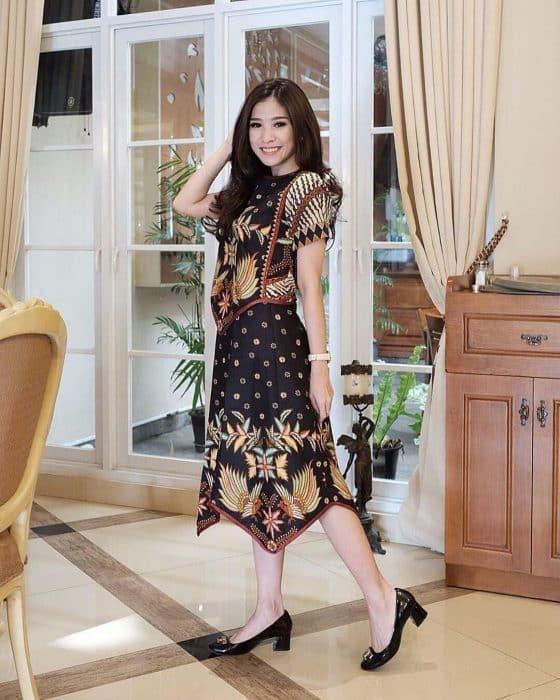Model Baju Semi Formal Untuk Wanita