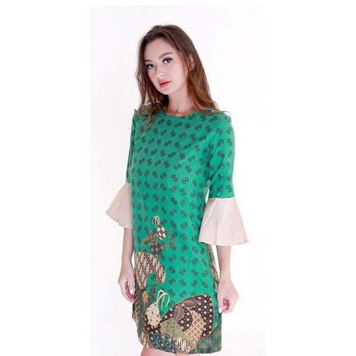 Model Batik Dress Bentuk Lengan Sentuhan Ruffles