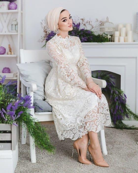 Model Dress Brokat Putih Vintage