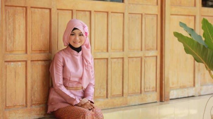 Model Hijab Berkebaya