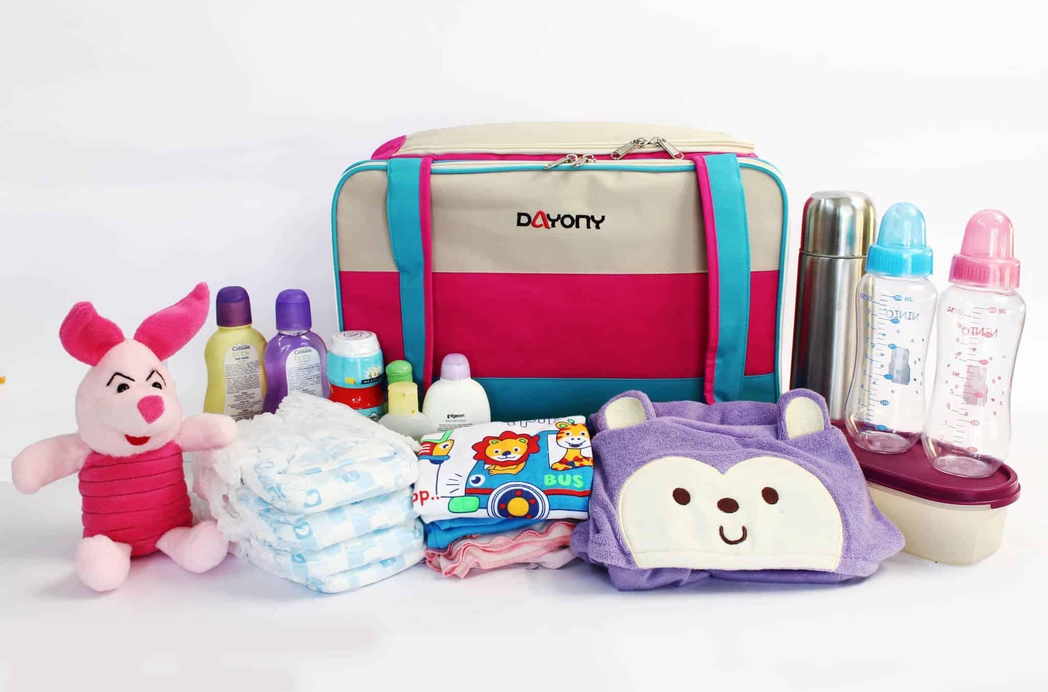 21+ Daftar Perlengkapan Bayi Baru Lahir (Dibutuhkan & Penting)
