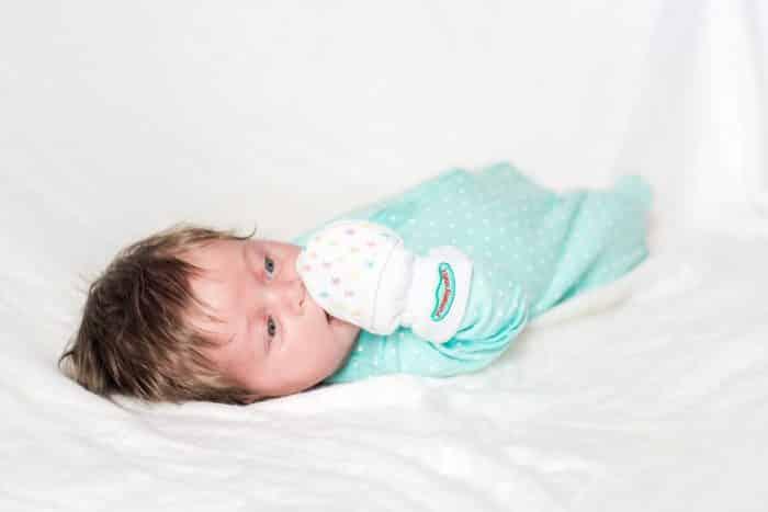 Sarung Tangan dan Kaus Kaki Bayi