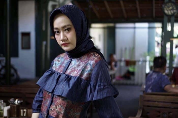 Tips Memilih Baju Padanan Hijab Anda
