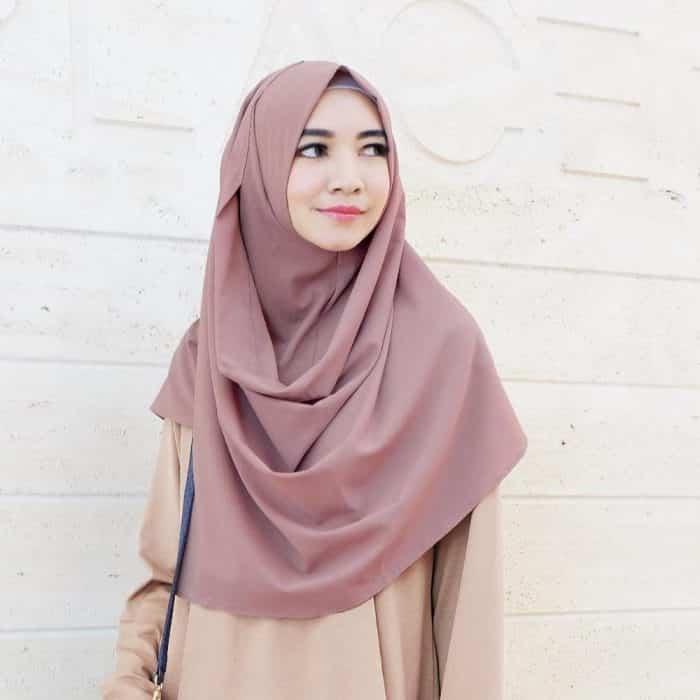 Hijab Panjang Berlayer