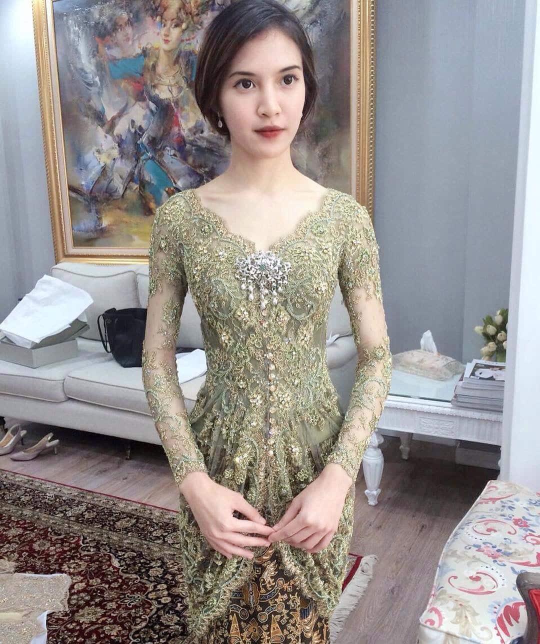 8+ Model Baju Brokat (Paling Lengkap di Indonesia)