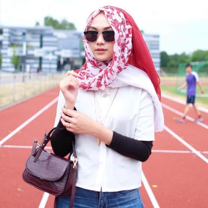 Model Hijab untuk Jalan-jalan Santai