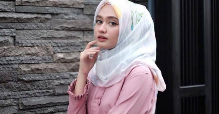Model Hijab ke Mall