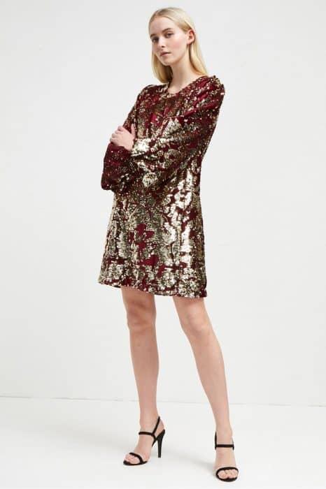 Model Baju Tunik Beludru Full Payet
