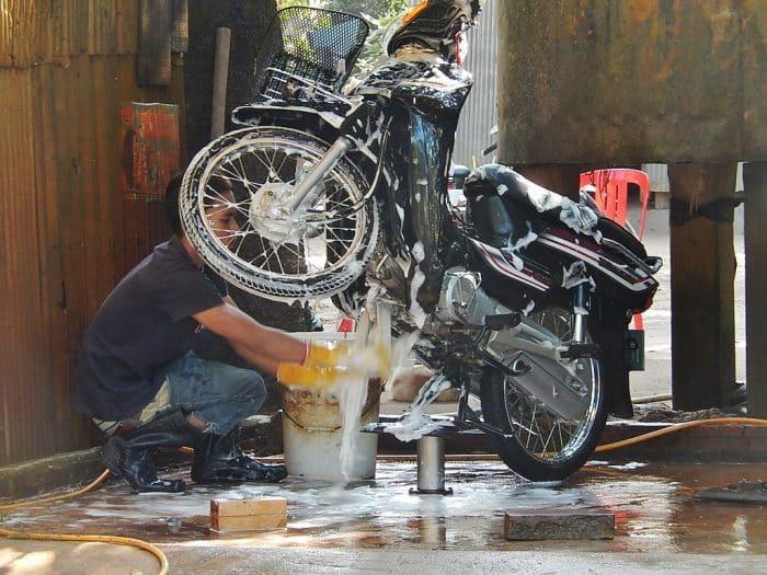 Usaha Cuci Motor : Peluang dan Analisa Bisnis yang Menjanjikan