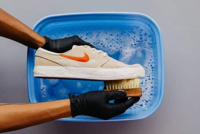 Prospek Usaha Cuci Sepatu