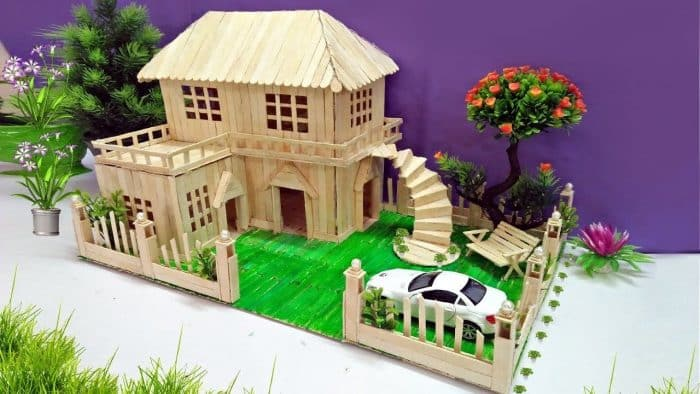 Rumah Stik Mewah Lengkap dengan Tangga