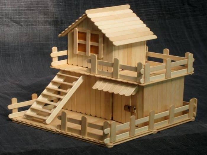 Desain Rumah Stik Datar dan Segitiga