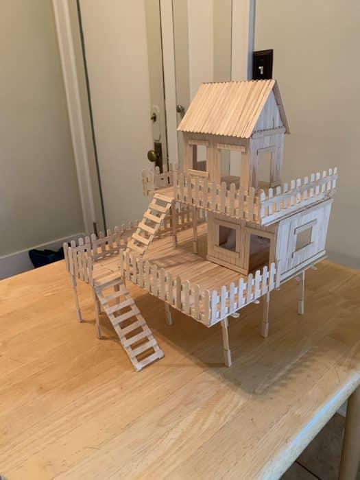 Rumah Panggung Dua Tingkat