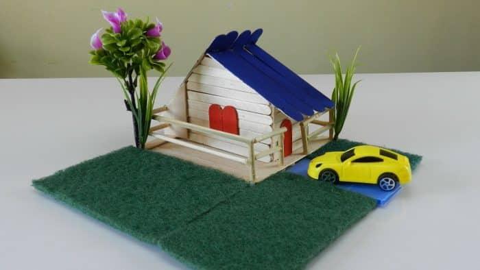 Rumah Mini dan Mobil