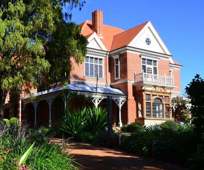 Desain Rumah Impian Model Villa Mewah