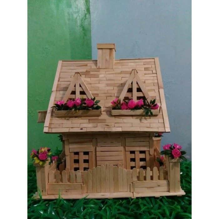 Rumah dengan Mawar