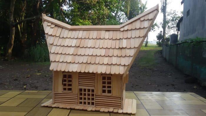 Contoh Desain Rumah dari Stik Berbentuk Rumah Toraja