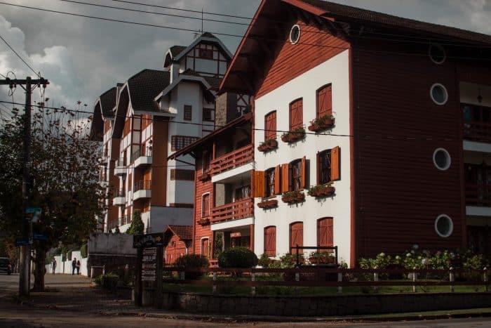 Desain Rumah Merah Putih