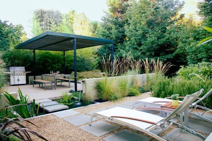 Desain Rumah Belakang Ala Hutan Tropis