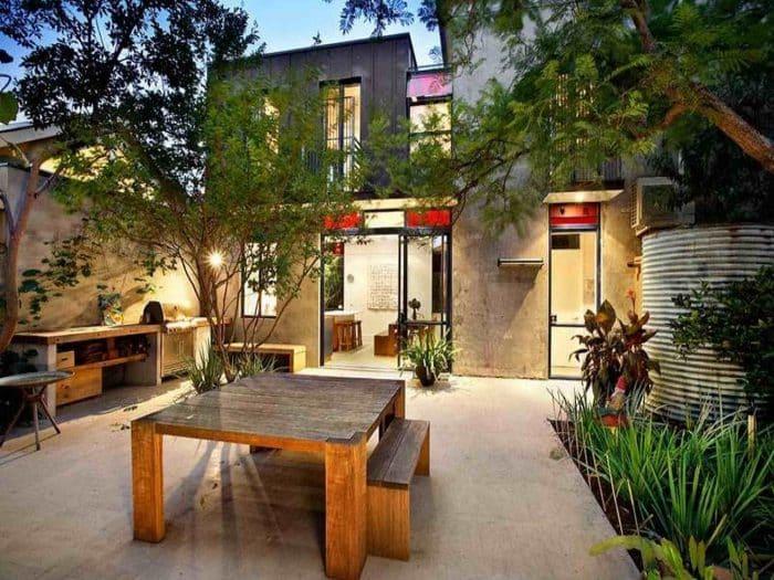 Desain Rumah Belakang Ala Working Space