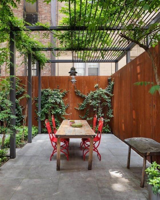 Desain Rumah Belakang Taman Tropis Minimalis