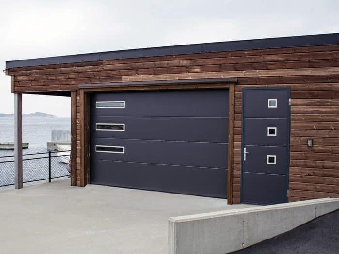 Garasi minimalis beach area
