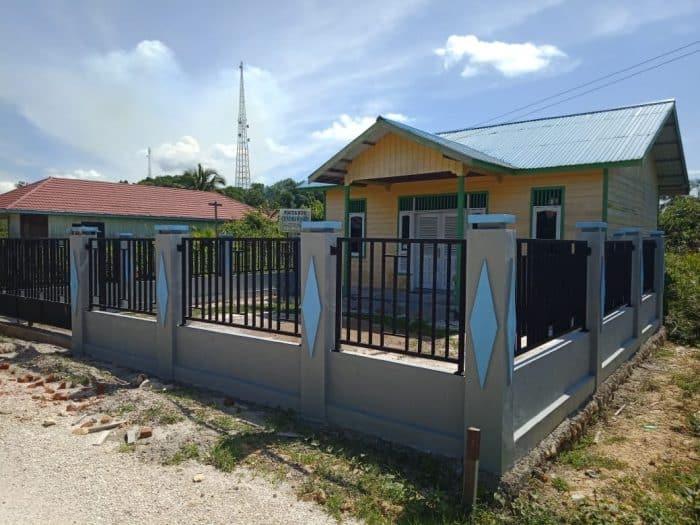 Rumah Desa Halaman Luas