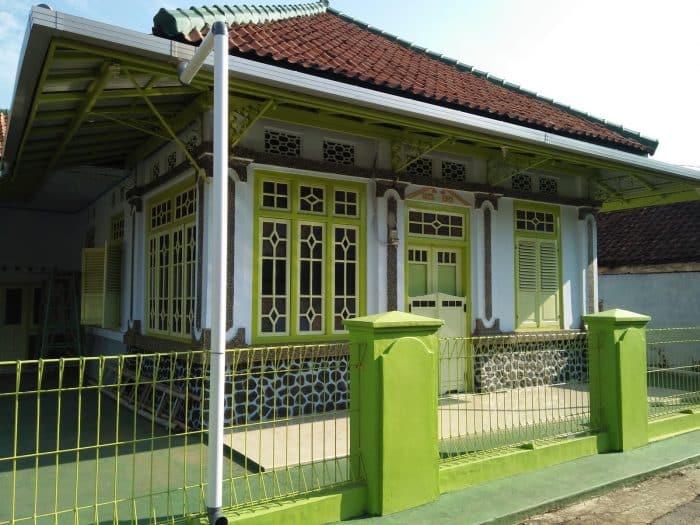 Rumah Desa Klasik Semi Belanda