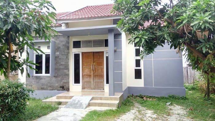 Rumah Desa Modern Rindang Pepohonan