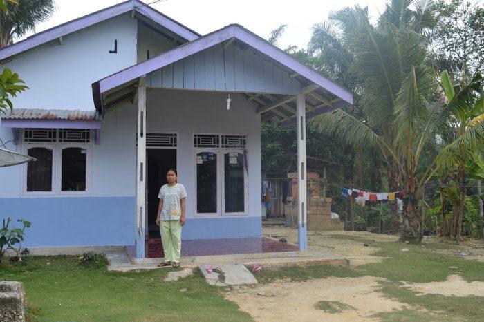 Rumah Desa Samping Kebun