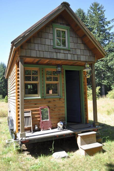 Rumah Panggung Mini Sederhana
