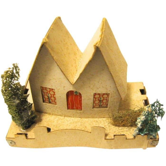 Rumah Segitiga dari Pemanfaatan Kardus Bekas