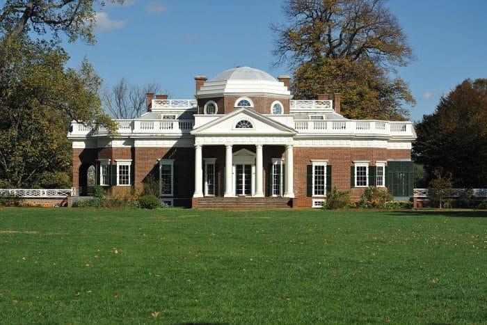 Tipe White House yang di dominasi oleh batu bata
