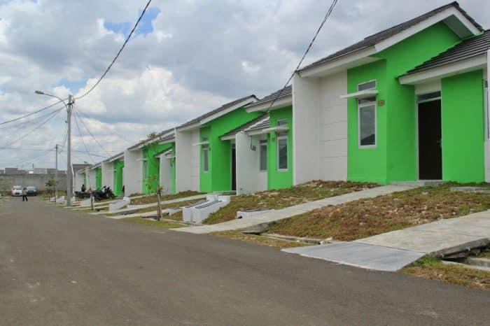 Desain rumah pintu samping