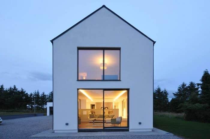 Rumah Simpel Berdinding Polos