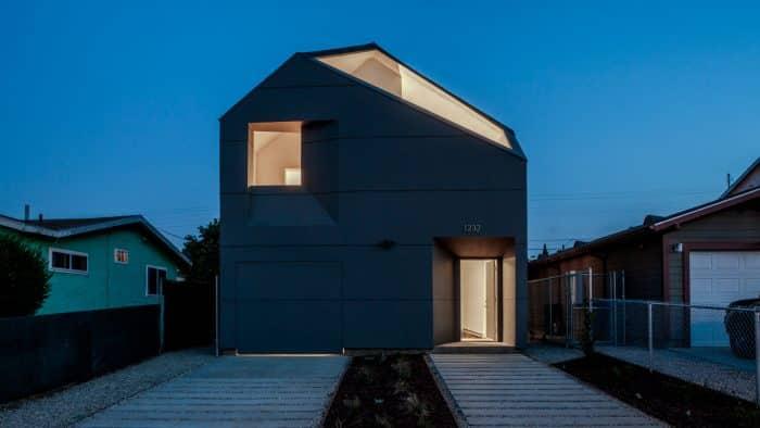 Rumah Simpel Warna Biru