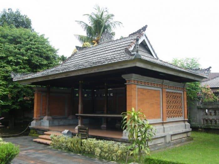 Bagian Paweregen pada Rumah Bali