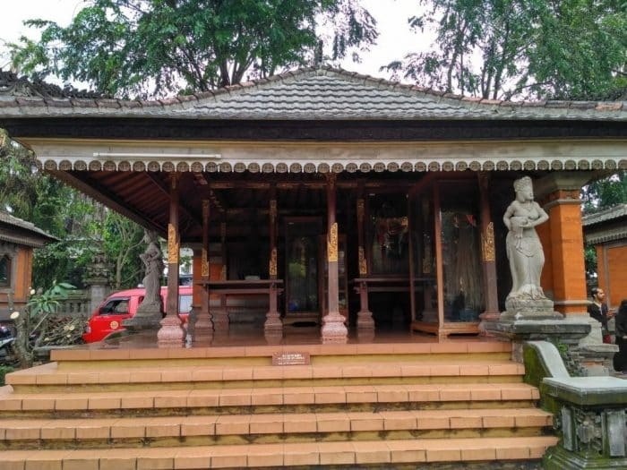 Bale Tiang Sanga Rumah Bali