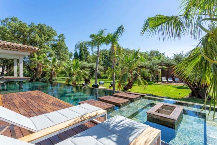 Contoh Desain Rumah Mewah Konsep Resort