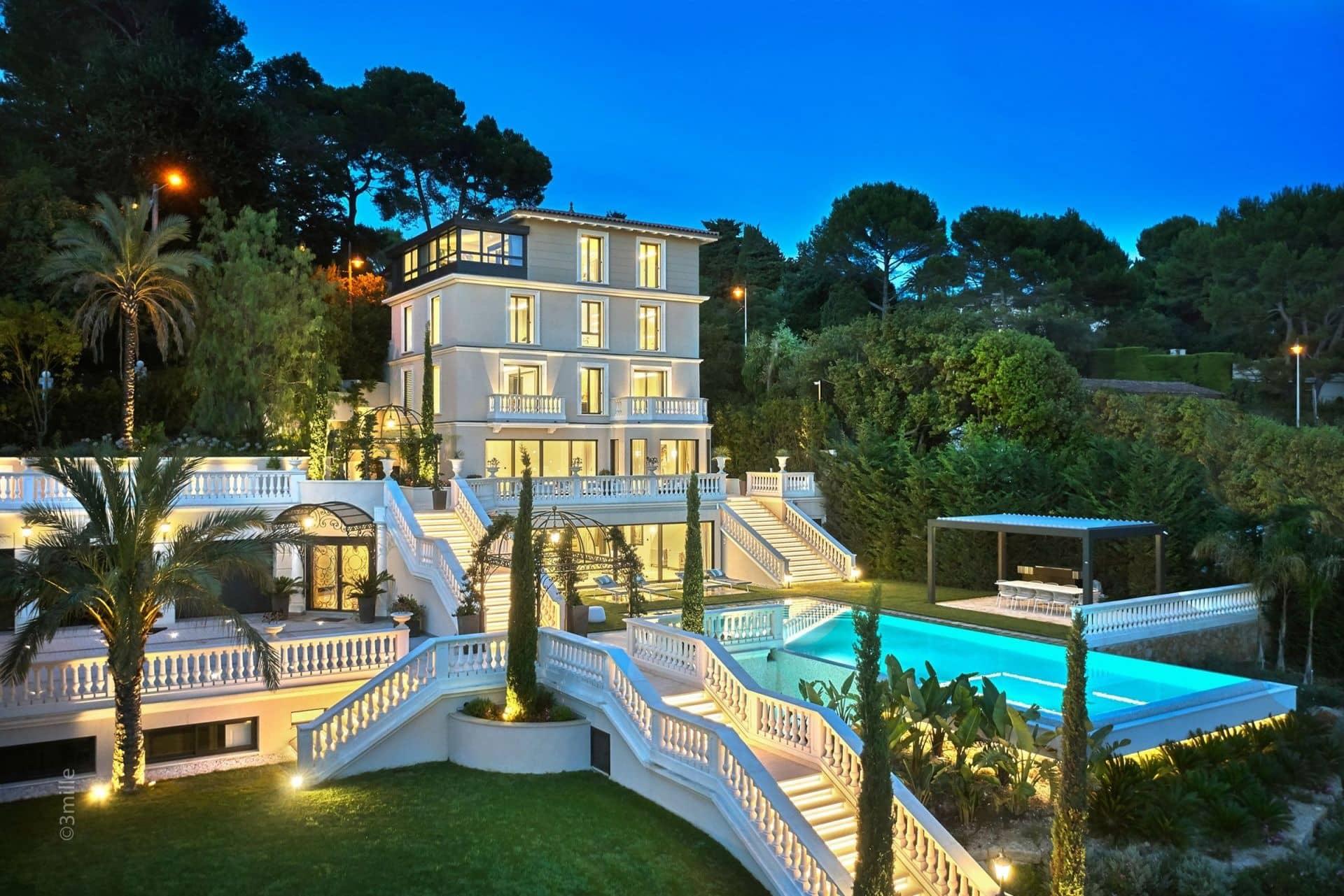 49+ Contoh Desain Rumah Mewah Yang Mempesona (Tercantik)