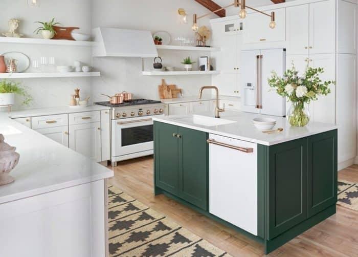 Contoh desain dapur dengan meja hijau